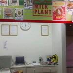 清里ミルクプラント  - レジ&提供カウンター