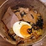 いちがい屋 - オリジナルで 卵かけご飯につけ汁。トッピングに残ったチャーシューのせ(^ ^)