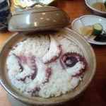 鼓や - 土鍋で炊いた蛸御飯