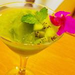 イシガキ ユーグレナガーデン - 【ISHIGAKI GREEN】夜のガーデンでは、ゆっくりとくつろぎながらお洒落な時間をお過ごし下さい。