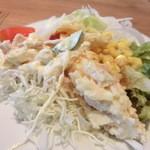 レッフェル - サラダ(盛りすぎ)