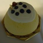 ラ・ペーシュ・ブラン - ズコット・フロマージュ(スフレのチーズケーキ)2013/6