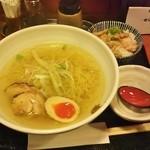 19739957 - 鶏ら~めん+ミニチャーシュー丼