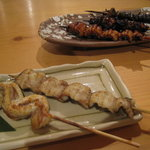 鞠屋 - 名物 鰻の串盛5本セット1000円