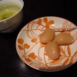 Dai - 馬肉カレー ¥650 食後のデザート 梅こぶちゃと甘納豆♪