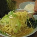 武蔵家 - 麺アップ 2013.06