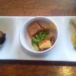 アルビソーラ - マンマのハンバーグプレートランチ 前菜3種盛り