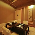 九段下 寿白 - 掘り炬燵の個室
