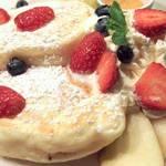 サンタフェ - 季節のフルーツパンケーキ