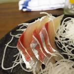 寺嶋屋 - 刺身3点盛り500円