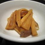むつ湊 - 切干大根とこんにゃくのお惣菜。