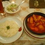 シンドバッド - 鶏肉と野菜たっぷりのタジン鍋