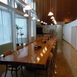 オーロラハウス - 2013.6 宿の食堂