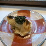 寿司栄 - 真フグの白子。上にキャビア。