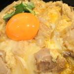 19762377 - 【再訪問2013年6月】東京軍鶏の親子丼にズームイン!