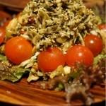 びるまの竪琴 - お茶の葉と揚げ豆のサラダ