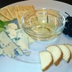 Kerutsu - チーズの盛り合わせ(780円)
