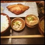 志乃ぶ - 大好きすぐる味。おばちゃん達の手作り感が最高。つぼ鯛最高。