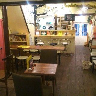 『89cafe2号店』はレトロな昭和街「中崎町」にあります☆