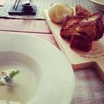 19766952 - ガーリックデニッシュと焼きとうもろこしの冷静スープ