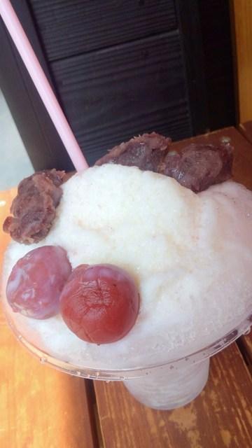 幸せの黄金鯛焼き 名古屋八事店 - 梅干しスィーツ付き梅かき氷です(^-^)v