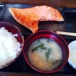 食事処 桜の木 - 銀鮭定食¥950