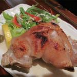 四季の味処 髭ダルマ - こちらには柔らか豚足の焼き物と揚げ物があります。       今回は焼きで頼みました。