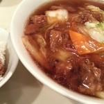 杏花村 - 牛肉角煮麺 大 2013.6