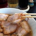 喜多方ラーメン 坂内  - スモールサイズでやや厚めの豚バラチャーシュー