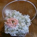 19788294 - テーブルに置かれた生花