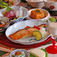 田舎 - ◆お料理ランチコース 3500円 ○ひとくち三品、自家製豆腐、サラダ、豆乳コロッケほか