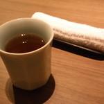 豆まる - お茶とおしぼり