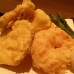 19789308 - 湯葉真薯と海老の天ぷら;アップ