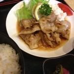 たらく - 生姜焼き定食