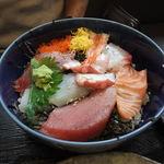 ぶんぶく - 海鮮丼アップ。