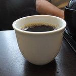 ぶんぶく - 食後のコーヒー、無料です。
