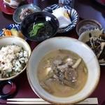 かばさ - 料理写真:イナムドゥチ御膳。これに更に別皿で数品とデザートが付きます。