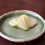 手打ち蕎麦 かね井 - お通し (山葵の醤油漬け) (2013/06)
