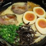 九州屋 - とんこつラーメン+味玉