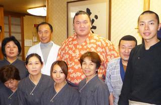 相撲料理 神雷 - 大相撲びわこ場所の際に横綱白鵬さん、ご来店くださいました