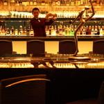 オーヴェスト - バーテンダーのつくるお酒と大人の上質な時間をお楽しみください。