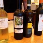 トラットリア・アルモ - 白ワインはおすすめの4本から選択