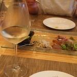 トラットリア・アルモ - キーーーンと冷えた白ワインが美味しい!!