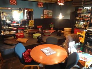 ドッグベリー - 高円寺ドックカフェ ドッグベリー 店内