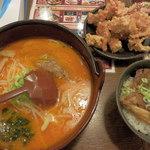 らーめん初代一国堂 - 満腹セット(980円) なべらーめん+ハーフザンギ+ミニチャーシュー丼