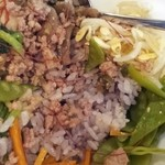 カフェ もわ - ビビンバのアップ   ご飯は雑こく米ですよ!