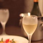 奥田パスタ - 本日のカルパッチョと白ワイン