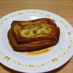 ゴントラン シェリエ 新宿サザンテラス店 - バナナとジャスミンのデニッシュ