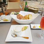 カフェ カリフォルニア - サーモンとズッキーニのムース