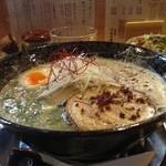 つなぎ亭 - らー麺&魚介醤油の玉子かけごはん